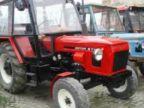 Úplne normálny opravár traktoru