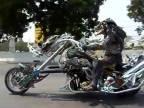 Predátor má novú motorku