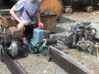 Historická dvojmužná motorová píla Dolmar