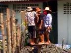 Ako sa zatĺkajú koly v Ázii