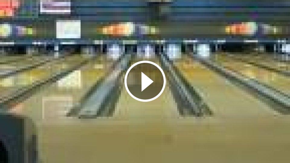 Smevn video : Bowling ako demolan hra