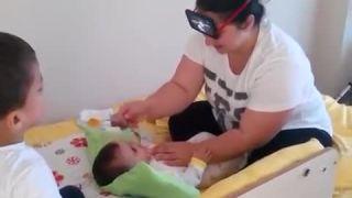Ako nakŕmiť malé bábätko