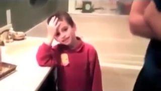 Malý chlapec vidí prvýkrát gayov