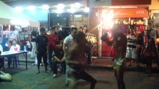 Pouličný muay thai zápas (Thajsko)
