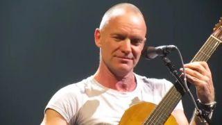 Stingov fanúšik si tiež chcel zaspievať