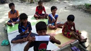 Indické deti sa učia po anglicky