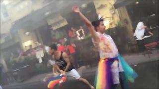 V Turecku sa s gaymi nebabrú (Dúhový pride 2015)