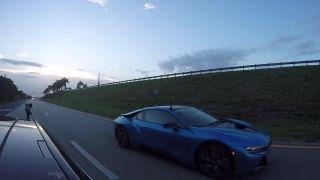 Tesla Model S P85D (šialený režim) vs. BMW i8