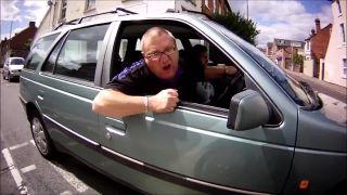 Agresívny šofér sa pustil do cyklistu (Veľká Británia)