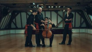 Štyria muzikanti a jedno violončelo