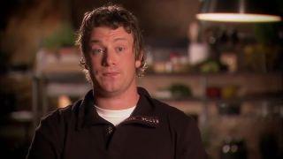 Jamie Oliver sa pýta školákov, či poznajú zeleninu