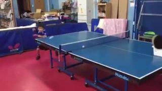 Keď hrá chlapček pingpong lepšie ako vy!