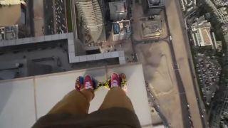 Blbnutie vo výške na hoverboarde (Dubaj)