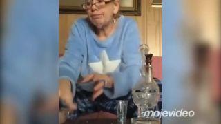 Babička si užíva dôchodok
