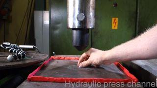 Hydraulický lis vs. diamant za 4000 USD