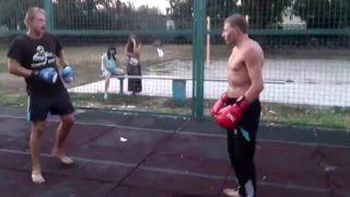 Myslel si, že box je len o sile (Rusko)