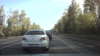 Keď sa na ceste stretnú idioti (Rusko)