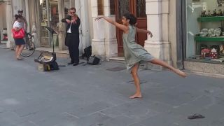Spontánny tanec na ulici (Taliansko)