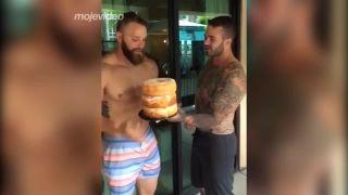 Trojitá torta k narodeninám