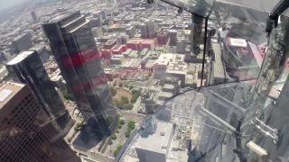 Šmykľavka vo výške 305 metrov (Los Angeles)
