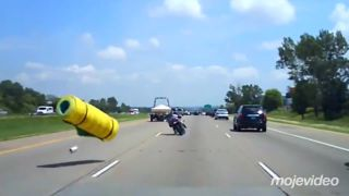 Ideš 130 km/h a objaví sa pred tebou obrovská karimatka