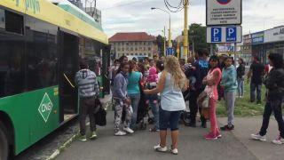 Nehoráznosť: cigáňov vyhodili z autobusu!