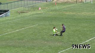 Neuveriteľný akrobatický gól