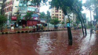 Krvavé záplavy v uliciach Dhaky (Bangladéš)
