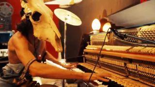 Zvláštny, ale nadaný muzikant Vurro!