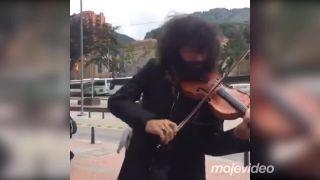 Čarovný sláčik Aru Malikiana (jeden z top huslistov sveta)