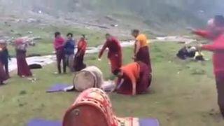 Keď majú budhistickí mnísi voľno (Nepál)