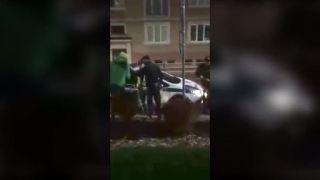 Policajt napadol vo Vranove nad Topľou mladíka