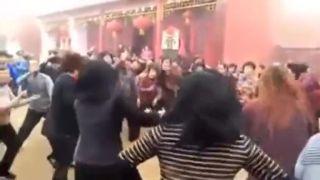 Tanec s bohmi (čínsky folklór)