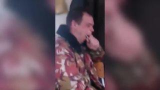Stavím sa, že tú žiarovku si do úst nedáš! (Rusko)