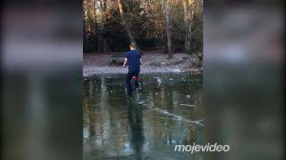 Bolo ti to treba, bicyklovať sa na ľade!