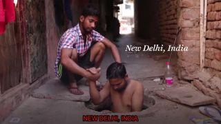 Vyberač hovien (ťažká práca v Indii)