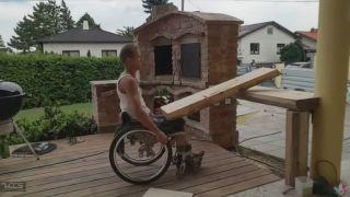 Invalid si stavia vonkajší murovaný gril