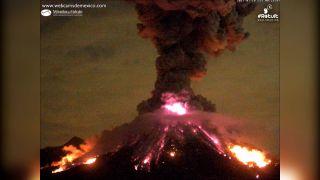 Prebudila sa mexická sopka Colima