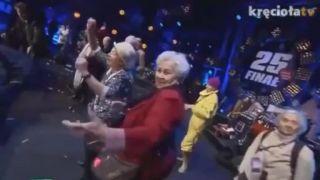 Ako DJ Hazel dôchodcov roztancoval (geriatrická diskotéka)