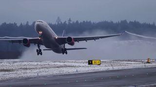 Pristátie a vzlietnutie na letisku Arlanda (spomalené zábery)