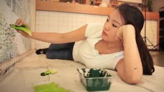 video Umenie so stonkovým zelerom (Red Hong Yi)
