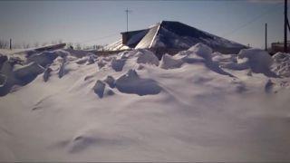 Na východe Kazachstanu zažili skutočnú snehovú kalamitu