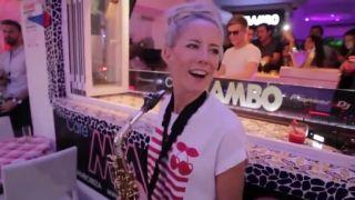 Neskutočné saxofónové sólo (Lovely Laura)
