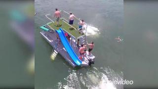 Tarzanov čln - zábava za $64 000