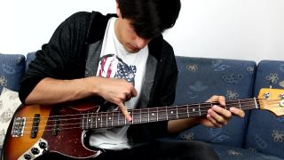 Hru na basgitare má v malíčku!