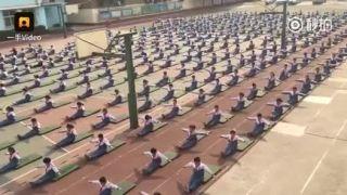 Medzičacom na hodine telocviku v čínskej ZŠ