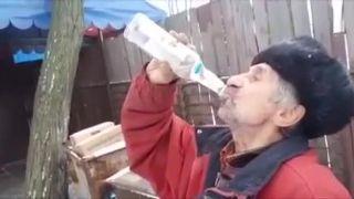 Tri fľaše vodky vypijem bez problémov!