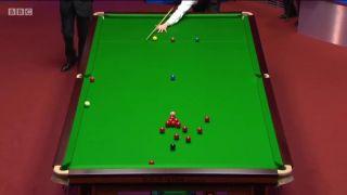 Jeden z najkrajších strkov v histórii snookeru (Shaun Murphy)