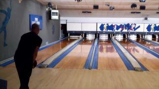 Bowling LVL99 (12 strajkov po sebe za 86,9 s)