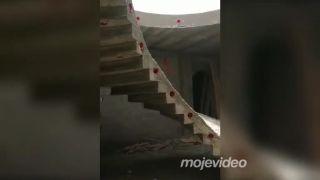 Namiesto schodov šmykľavka (stavbár mesiaca)